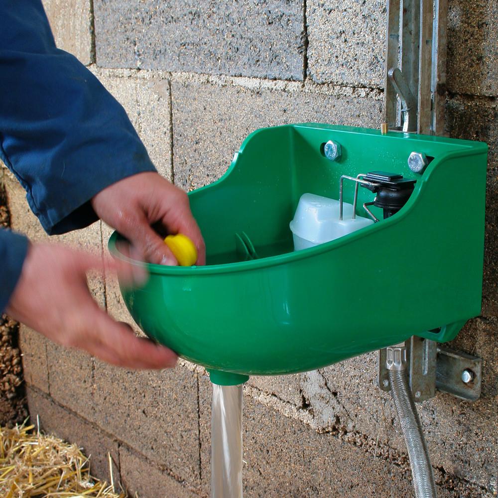 nettoyage facile de l'abreuvoir grâce à la vidange sans outil