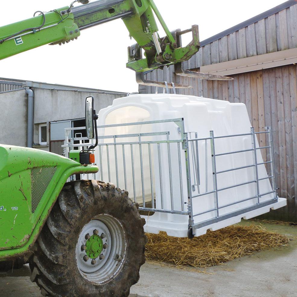 SUPERSTAR One-Piece HDPE Hutch For 5 Calves